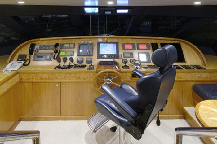 Яхта Патриарха (10 фото)