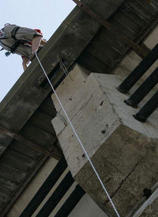 Что могло остановить демонтаж стадиона? (5 фото)