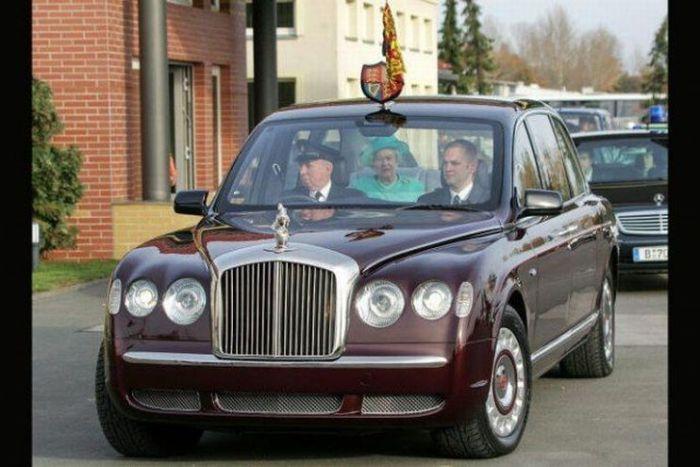 Автомобили королей и принцев (11 фото)