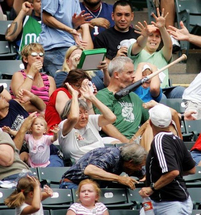 Бейсбол - опасный вид спорта (21 фото)