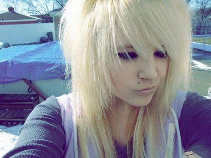 Фото эмо девушек блондинка и брюнетка #4