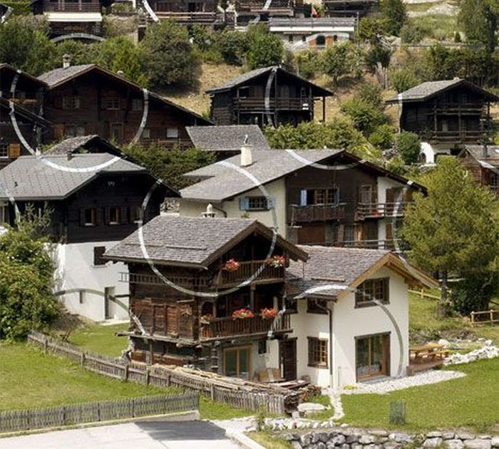 Оптическая иллюзия в Альпах (15 фото)