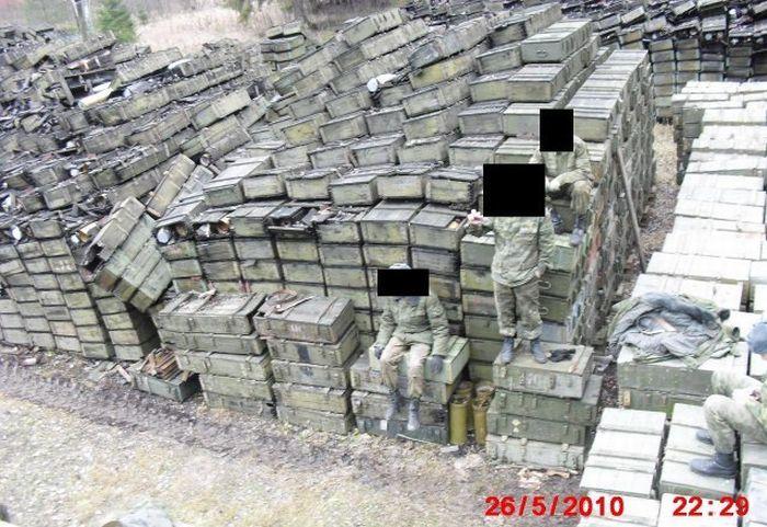 Как хранят и транспортируют боеприпасы в ВС РФ (9 фото)