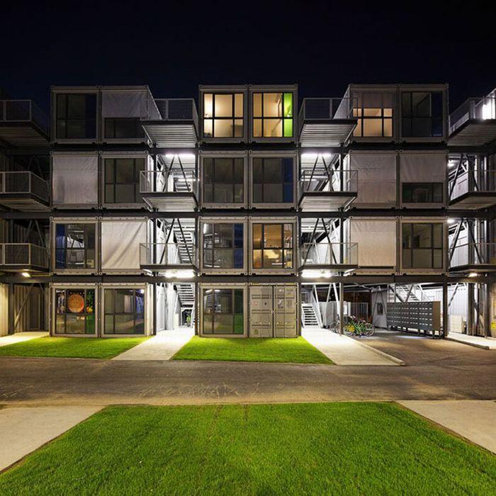 Студенческое общежитие из контейнеров (15 фото)