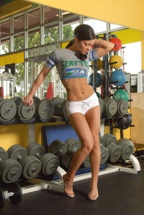 Спортивные девушки (22 фото)