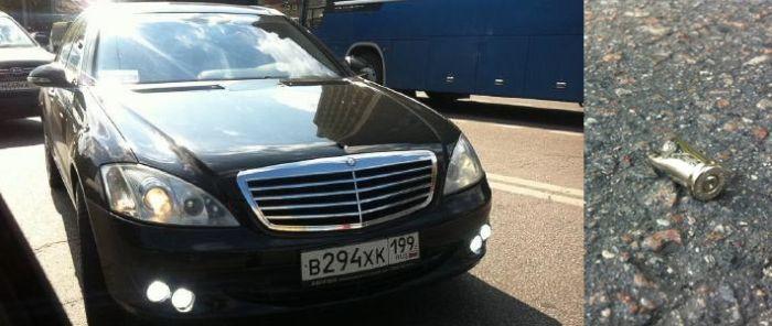 В Москве обстреляли известного блогера (3 фото)
