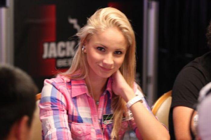 Девушки, которые любят покер (35 фото)