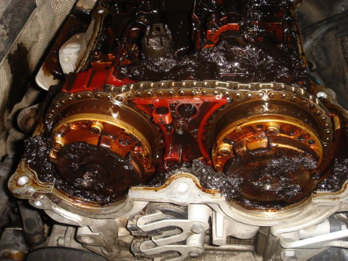 Двигатель BMW (2 фото)