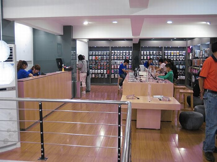 Поддельный магазин Apple в Китае (9 фото)