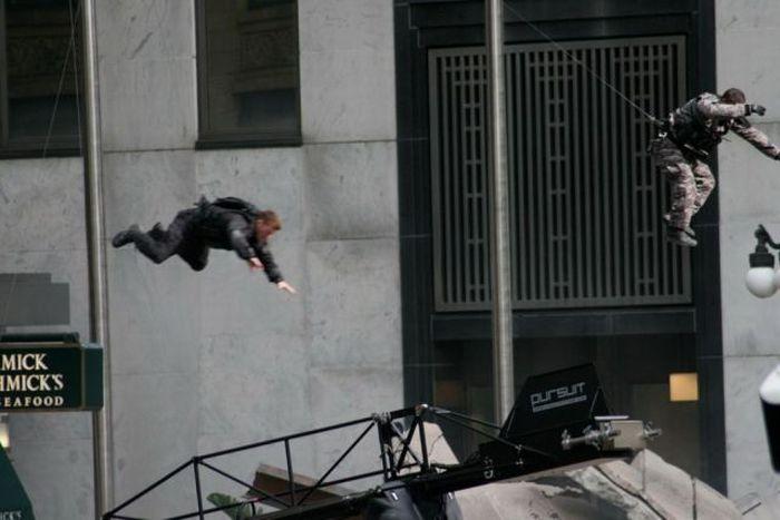 """Фотографии со съемок фильма """"Трансформеры 3"""" (52 фото)"""