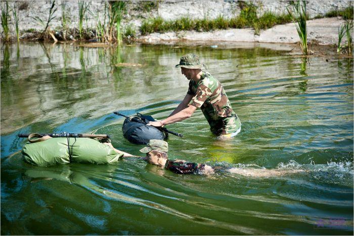 Учения спецназа (48 фото)