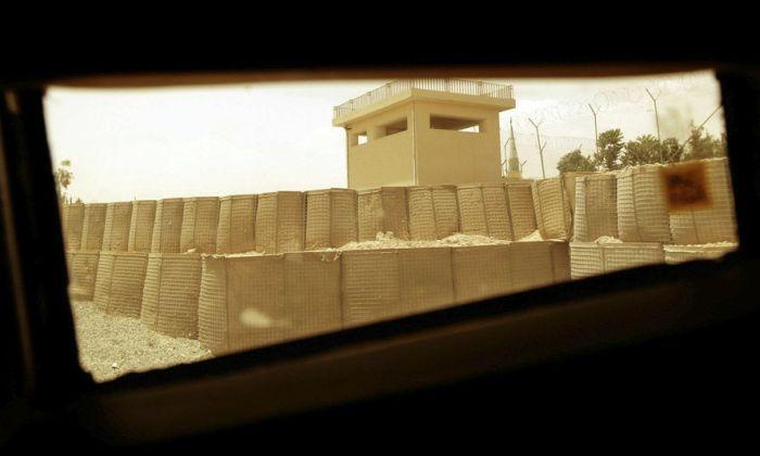 Афганистан через окно военного автомобиля (15 фото)