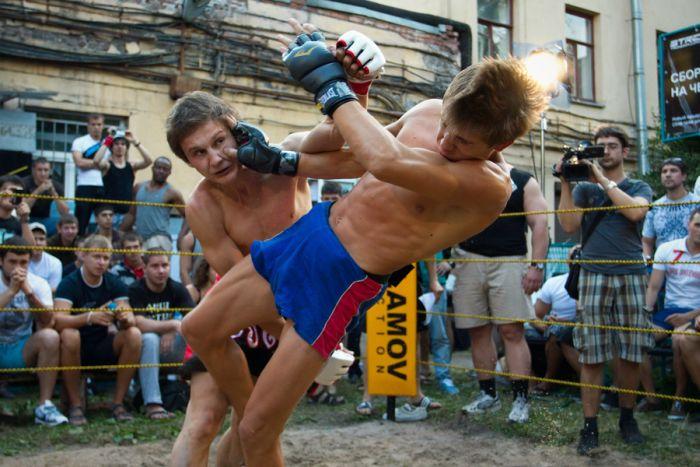 Чемпионат по уличным боям. Часть 2 (49 фото + 2 видео)
