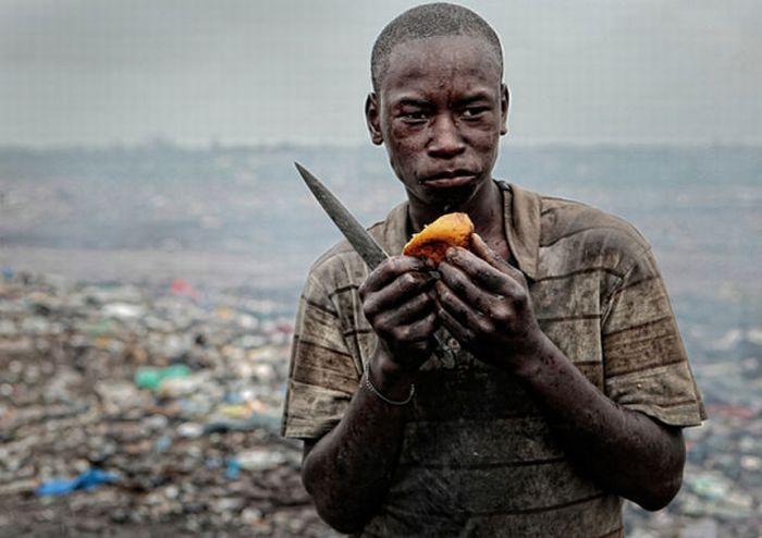 Ад на Земле. Свалка Мозамбика (18 фото)