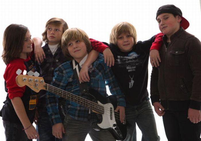 Десятилетние рок-звезды (12 фото + видео)