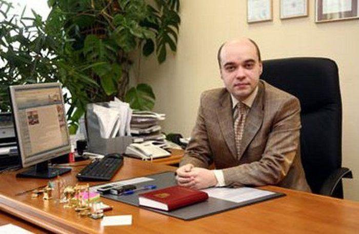 Скромный директор школы (7 фото)