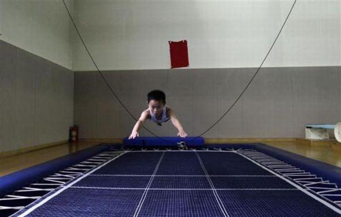 Школа плавания в Китае (18 фото)