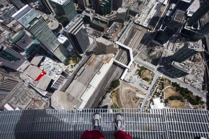 Страшный аттракцион в Торонто (13 фото + видео)