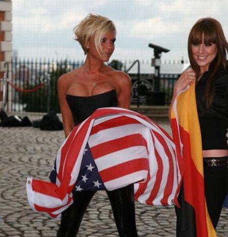 Американский флаг в разных видах одежды (25 Фото)