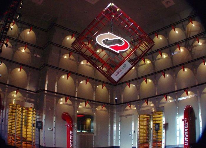 Дата-Центр SuperNAP в Лас-Вегасе (30 фото)