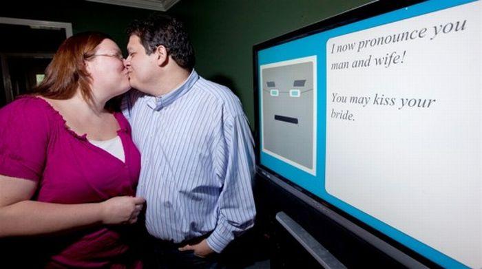 Компьютерная свадьба (1 фото + видео)