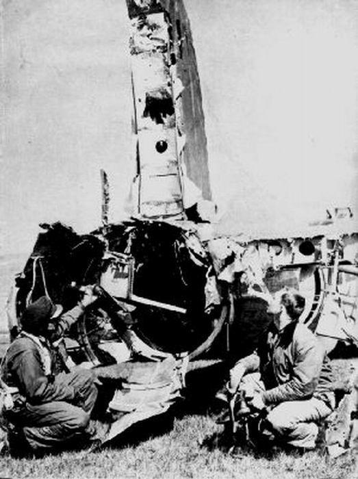 B–17 - живучий бомбардировщик (33 фото)