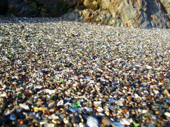 Стеклянный пляж в Калифорнии (10 фото)