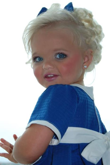 Pageant (16 pics). 2-year-old Ira Brown is already a well-known mode…