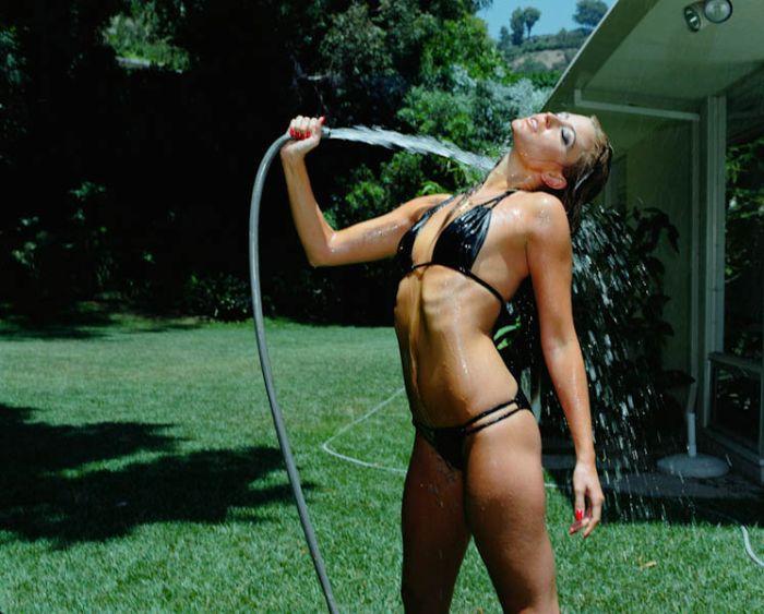 Сексуальные девушки охлаждаются. Часть 2 (58 фото)