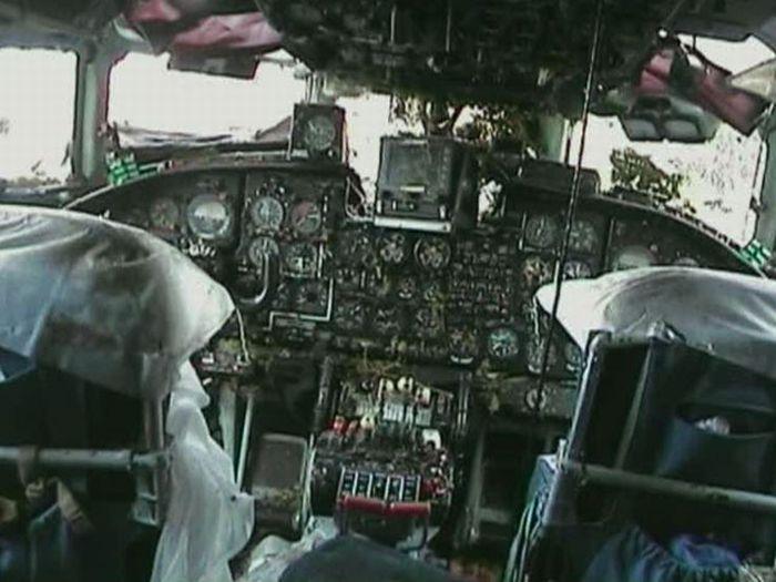 Посадка самолета в Благовещенске (9 фото)
