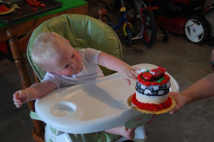 Первый именинный торт (6 фото)