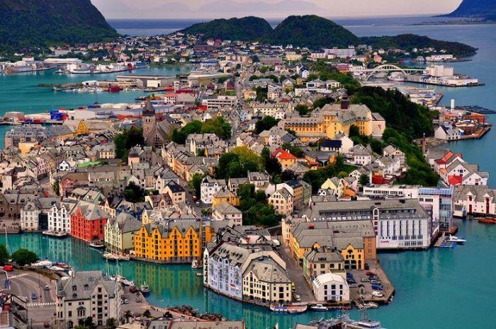 Самые красивые и удивительные места в мире (26 фото)