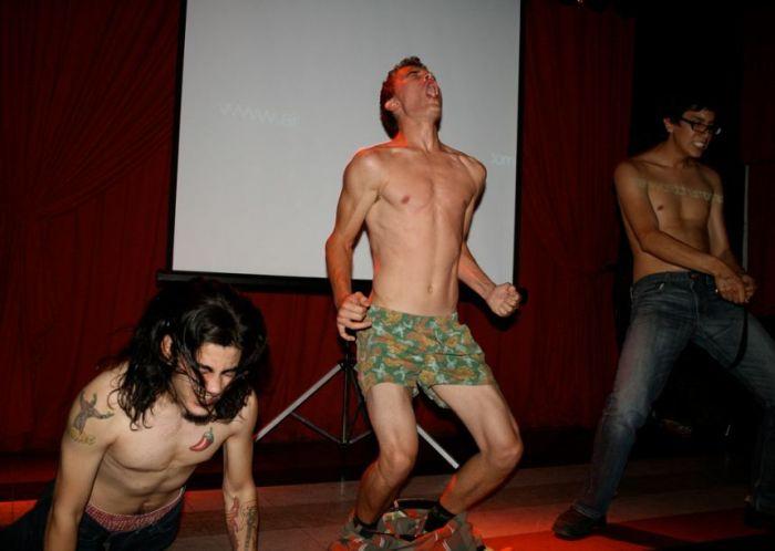 Чемпионат по воздушному сексу (71 фото)
