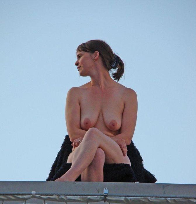 Обнаженная девушка в Лондоне (7 фото)