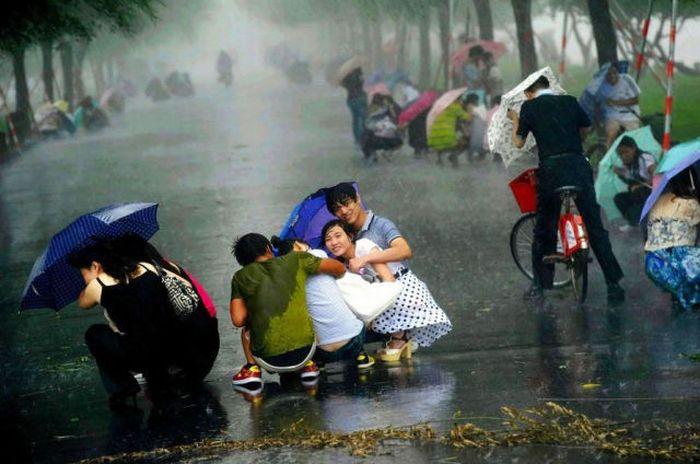 Сильнейший ветер в Шанхае (18 фото)
