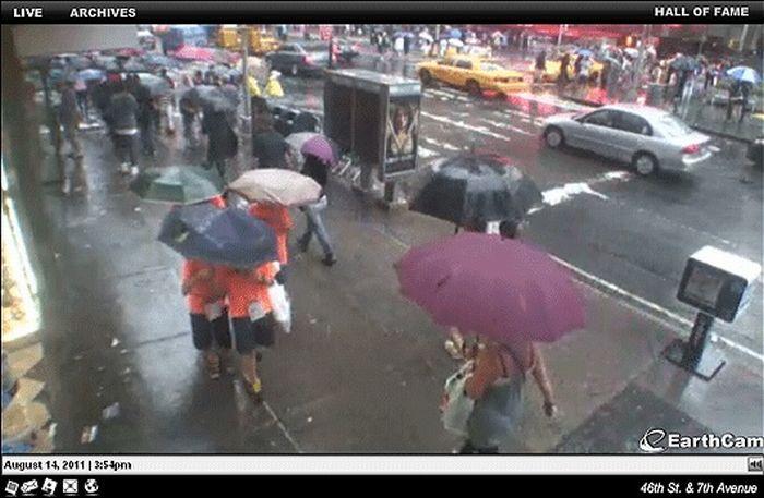 Одинаковые люди на улицах Нью-Йорка (9 фото)