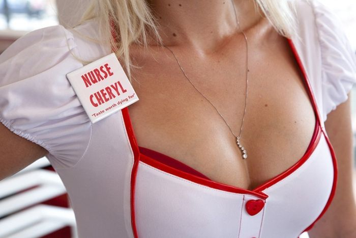 "Ресторан ""Сердечный приступ"" (18 фото)"