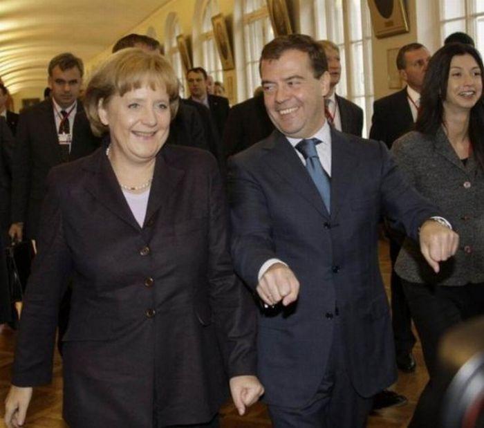Смешные снимки политиков. Часть 2 (30 фото)