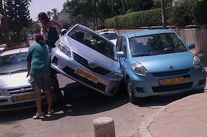 Мастер парковки (2 фото)