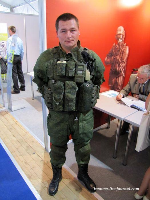 Защитный комплект для нашего солдата (11 фото)