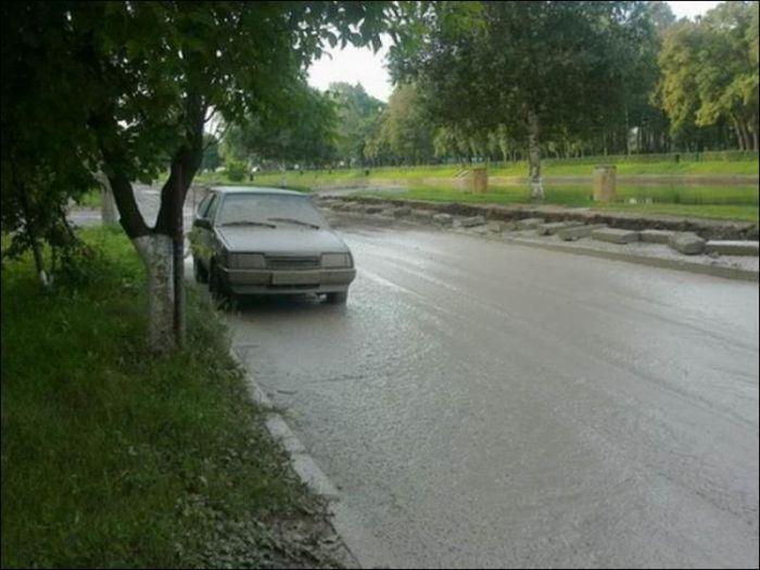 Зацементированная дорога (3 фото)
