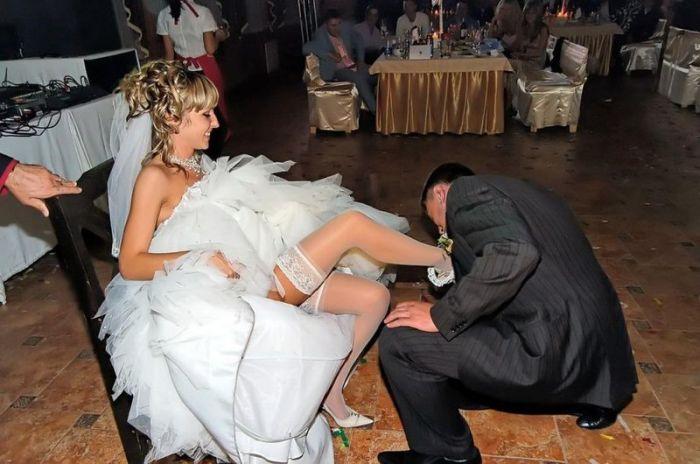 Пикантные снимки невест (58 фото)