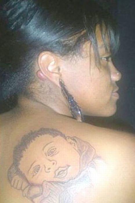 Неудачные татуировки портретов детей (15 фото)