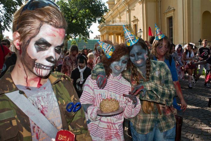 Парад зомби в Новгороде (150 фото)