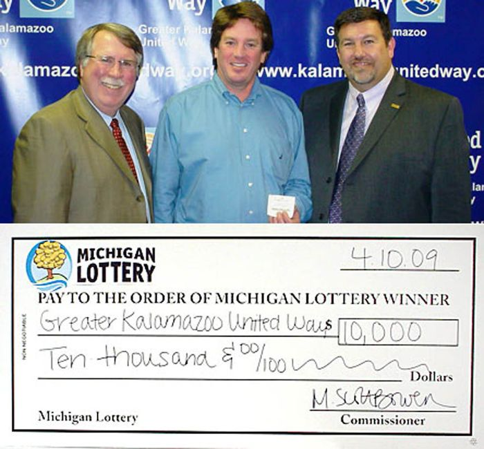Огромные выигрыши в лотерею (24 фото)