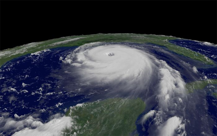 Ураган Ирэн. Вид из космоса (12 фото)