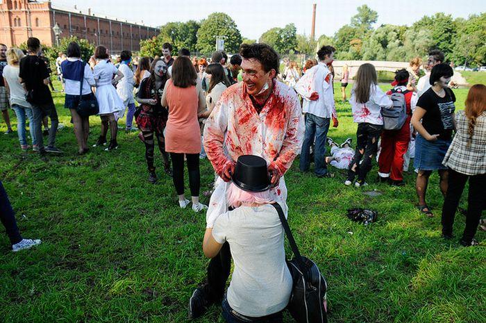 Зомби-парад в Питере (34 фото)