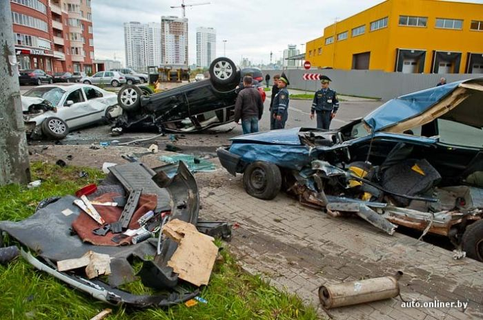 Авария в Минске (12 фото)