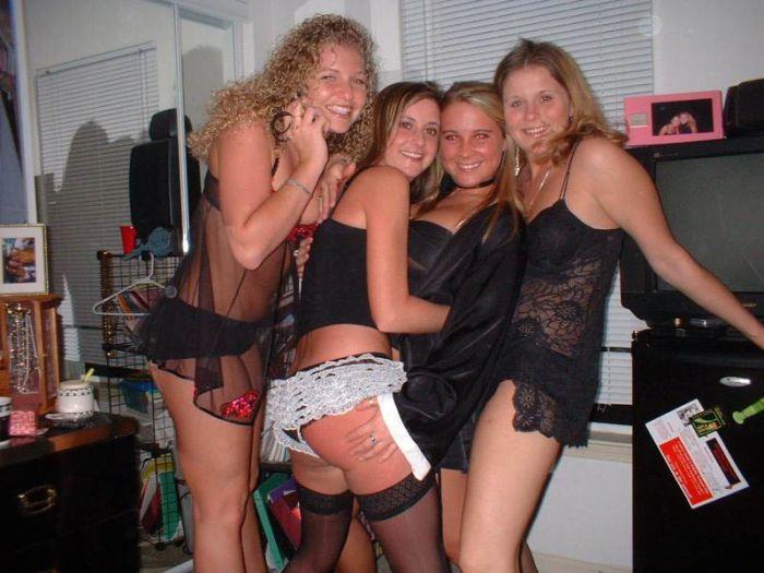 Девушки в нижнем белье (92 фото)