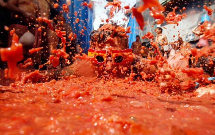 Бои помидорами (19 фото)
